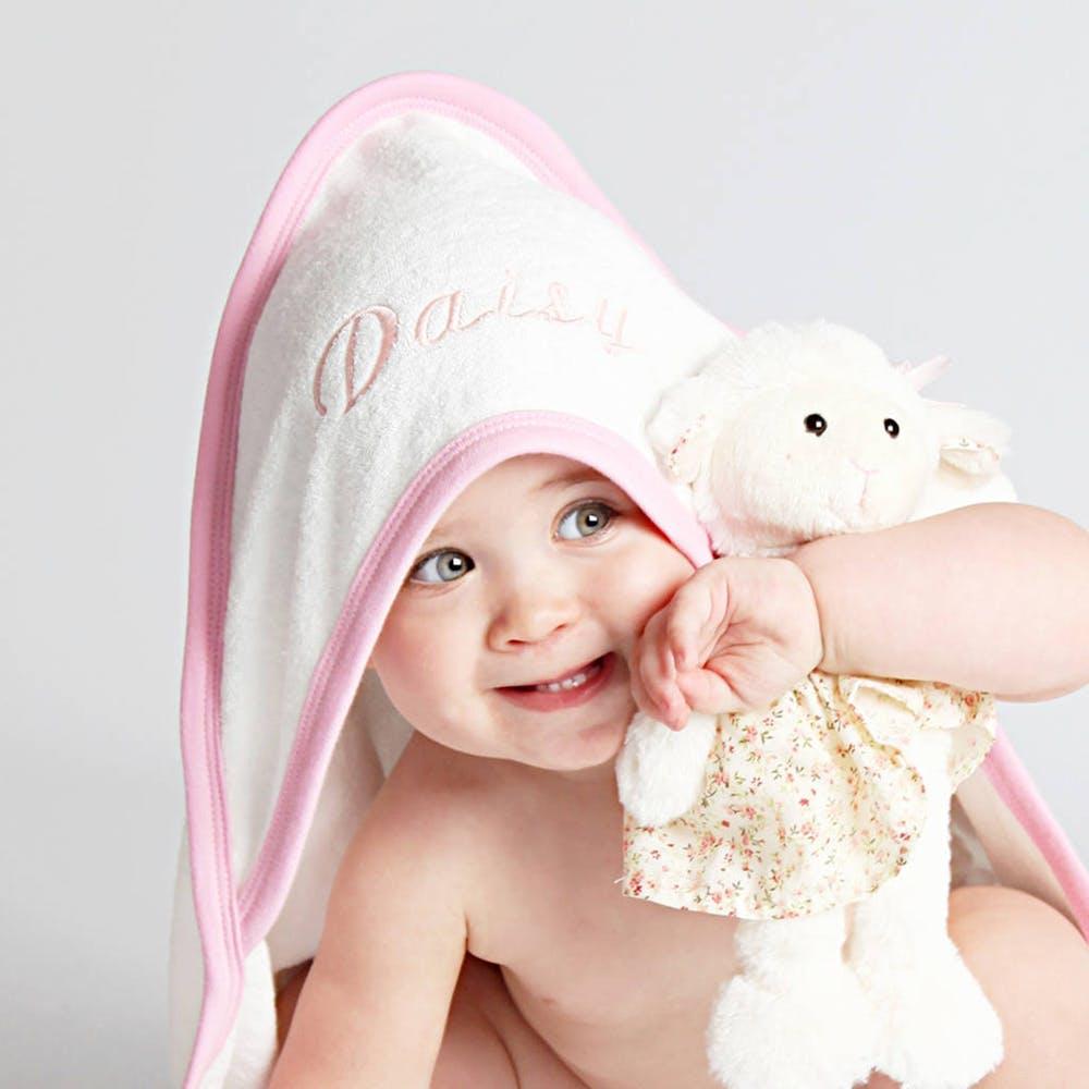 تولید حوله نوزادویژگی های حوله نوزاد در بهترین کیفیت